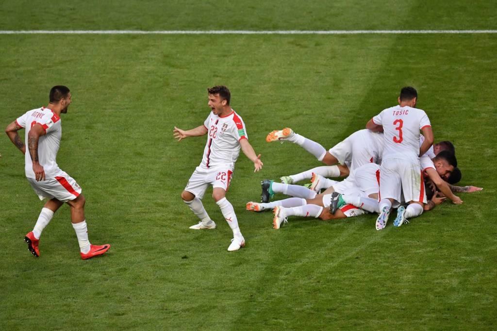O primeiro jogo da Copa do Mundo deste domingo não foi grandioso em  qualidade técnica 5c07df3a689bf